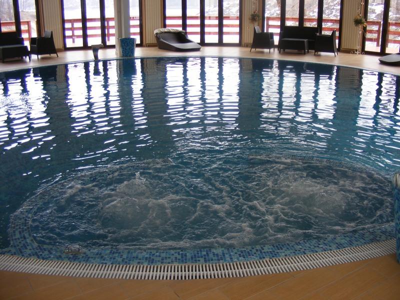 hotel borsko jezero bazen